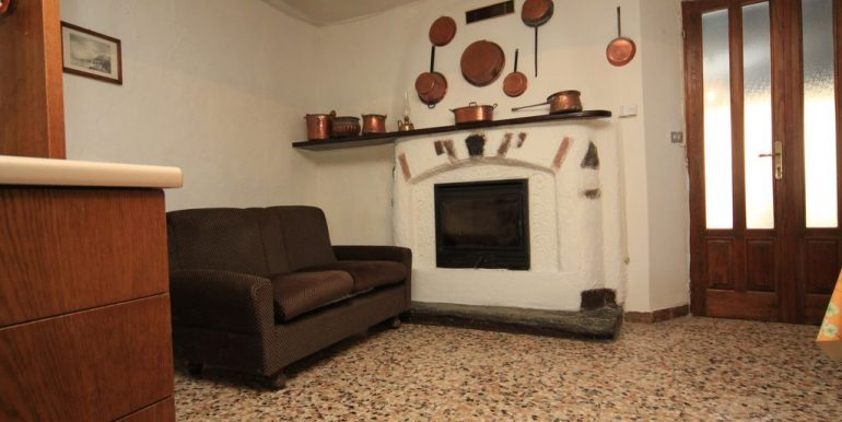 House with 2 Apartments Domaso Lake Como - fireplace