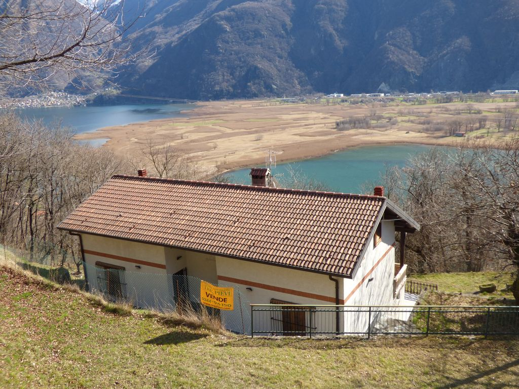Lake Como Sorico House with Land