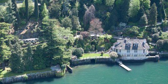 Villa directly on the Lake with Boathouse – Lake Como