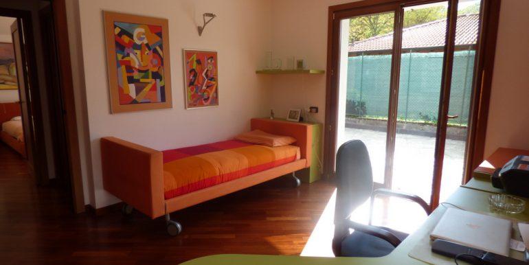 Bedroom -  Castiglione D'Intelvi Villa with garden