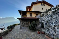 Apartment Lake Como Pianello with Lake View and Garden - front