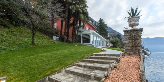 Villa Front Lake Como with Boathouse Brienno
