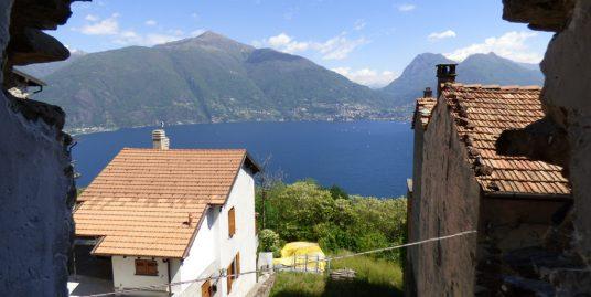 Apartment San Siro Lake Como with Balcony