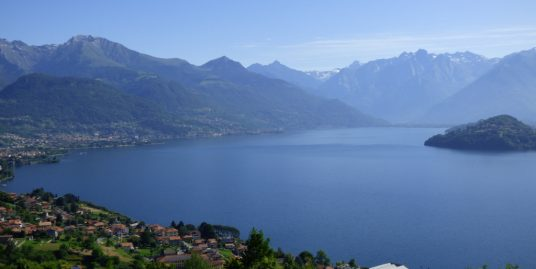 House Pianello del Lario with terrace, garden and lake view
