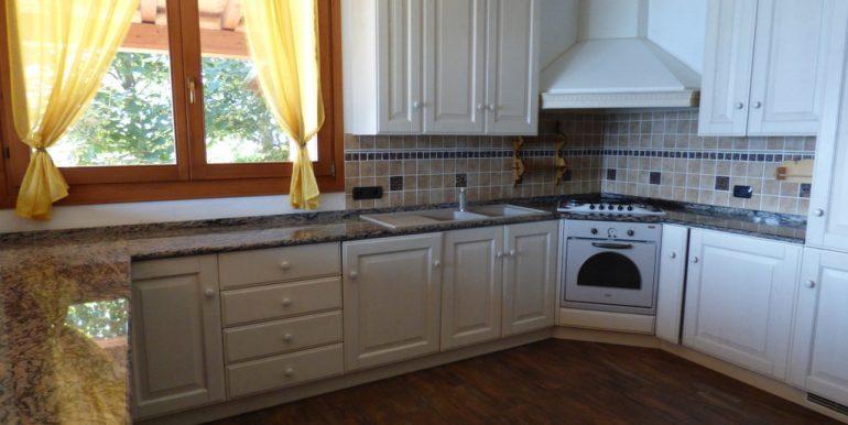 kitchen - House Pianello del Lario with terrace, garden and lake view