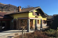 Castiglione D'Intelvi Villa with garden, swimming pool and garage