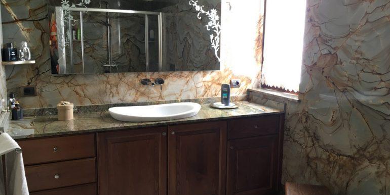 Castiglione D'Intelvi Villa - bathroom