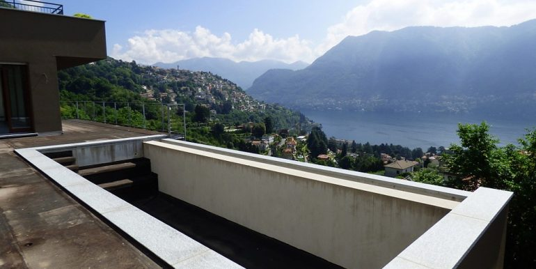Swimming pool - Lake Como