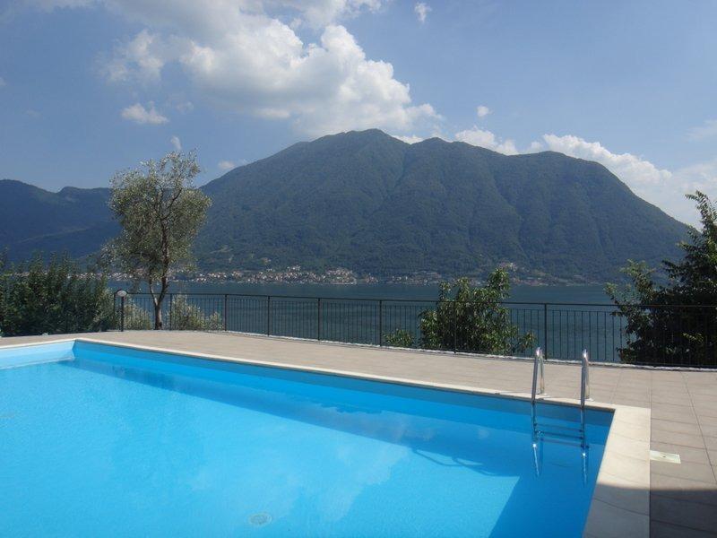 Lake como colonno residence with swimming pool - Appartamenti con piscina ...