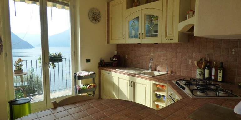 Lake Como Colonno Apartment Dominant Position with Lake View