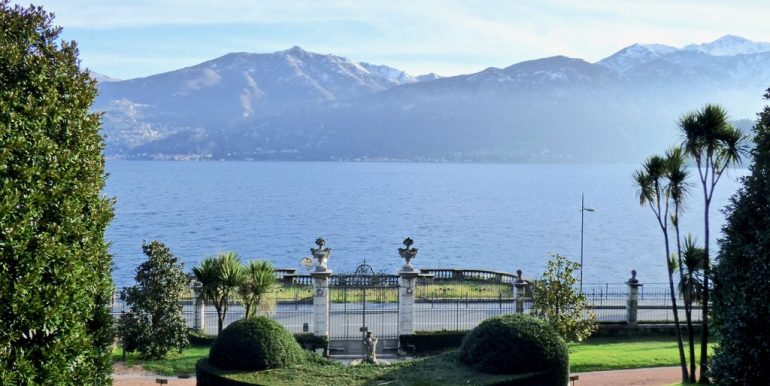 Luxury Apartment Front Lake Griante