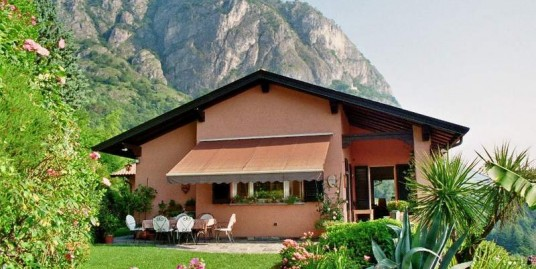 Lake Como Griante Luxury villa with garden and car places