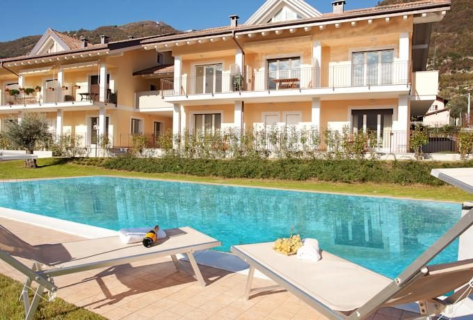 Lenno Apartment with Terrace with swimming pool and solarium