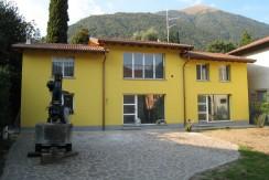 Lake Como Lenno Semi Detached Villa with Garden