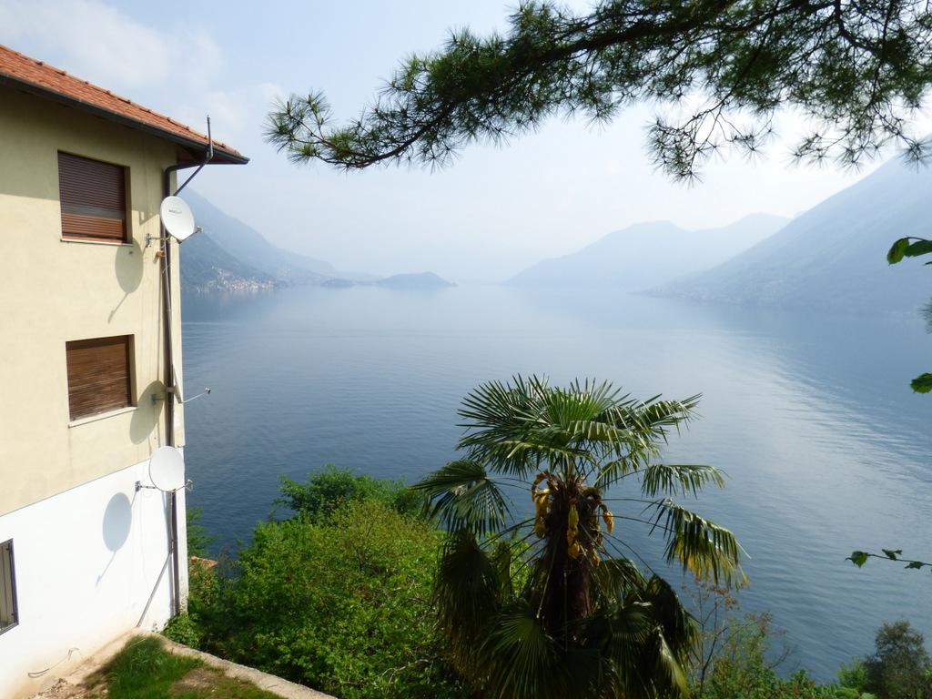 Argegno Apartment With Lake View – Lake Como