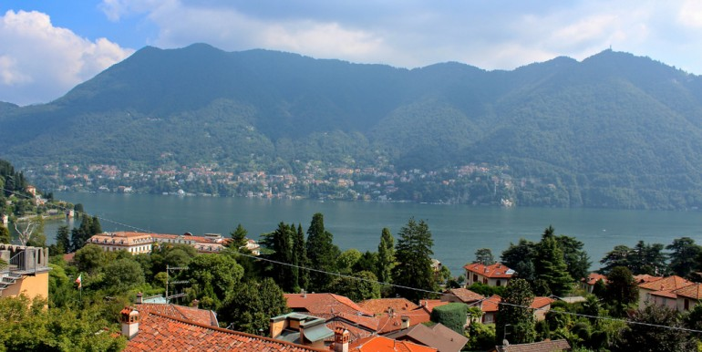 Lake Como Cernobbio Villa in Dominant Position With Lake View