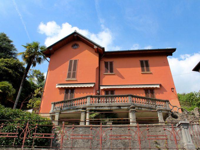 Lake Como Cernobbio Villa in Dominant Position With Lake View