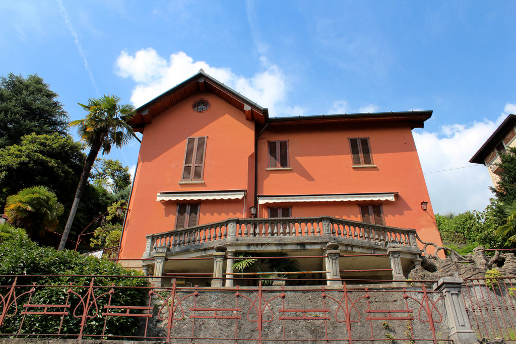 Lake Como Cernobbio Villa With Lake View