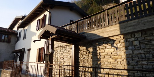 Lake Como Cernobbio House with Lake View