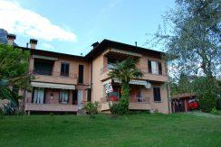 Mezzegra- garden- Lake Como apartment