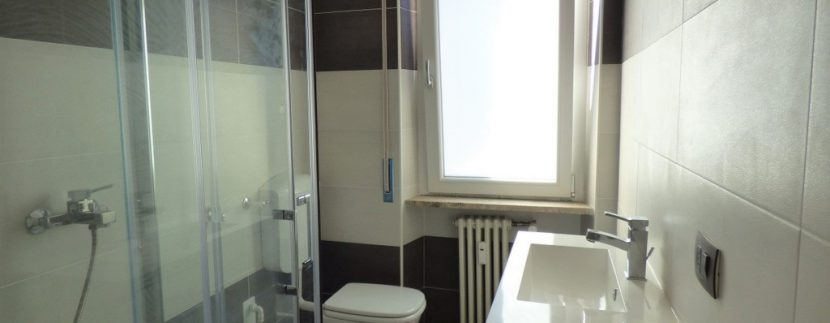 Menaggio Apartment in central position - bathroom