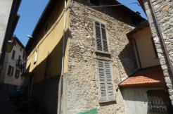 Lake Como Menaggio House to Renovate with Garden