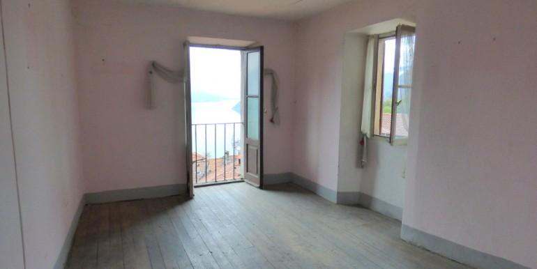 House to Renovate with View Lake Como Menaggio