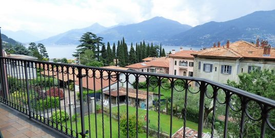 Menaggio apartment with garden and lake view