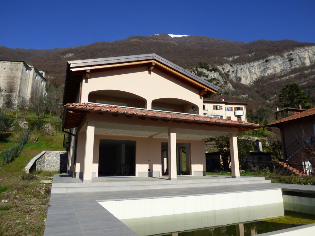 Mezzegra Villa with Swimming Pool – Lake Como