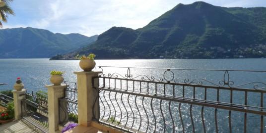 Lake Como Moltrasio Periodic Villa Dominating the Lake
