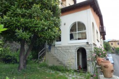 Moltrasio Villa with Lake View with garage