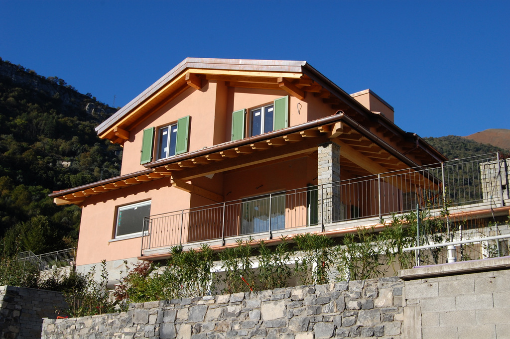 Lake Como Ossuccio Luxury Villa with garden