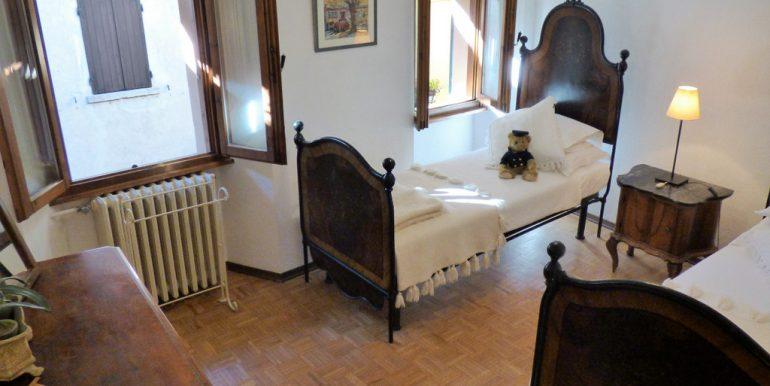 House with balcony Lake Como Sala Comacina