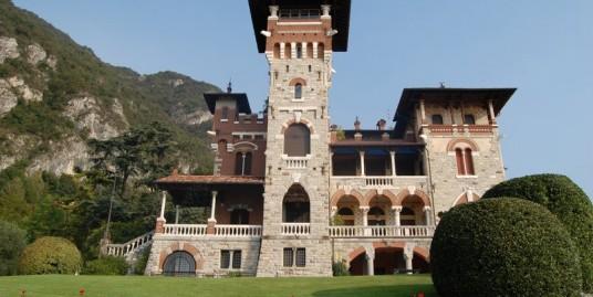 Lake Como San Siro Apartment with balcony