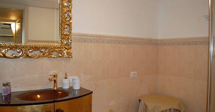 Bathroom in apartment - San Siro