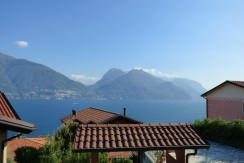 Apartment with Swimming Pool Lake Como San Siro with private garden