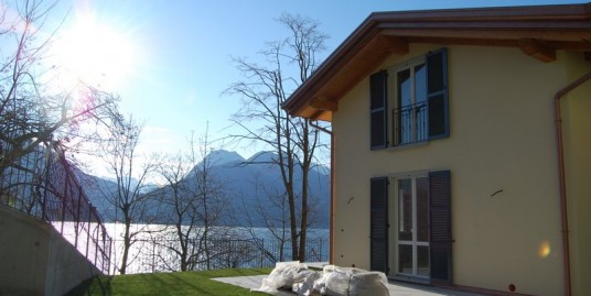 Lake Como San Siro Semidetached Villas with garden