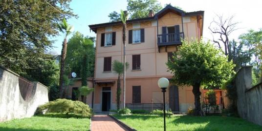 Lake Como Tremezzo Apartment with garden