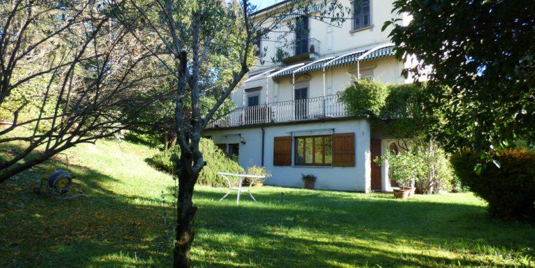 Lake Front Apartment in Period Villa Tremezzo
