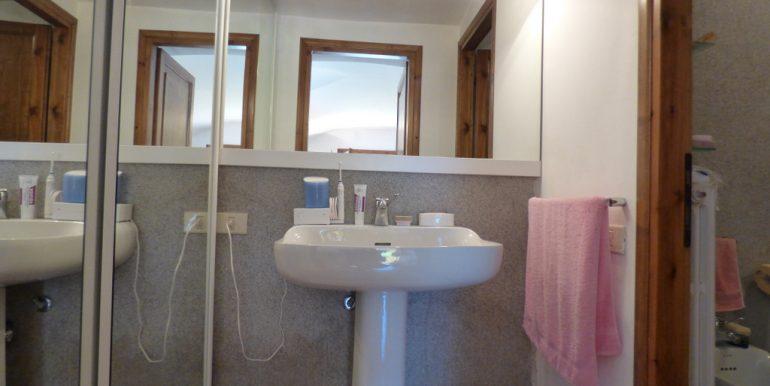 Bathroom in Tremezzo apartment - villa