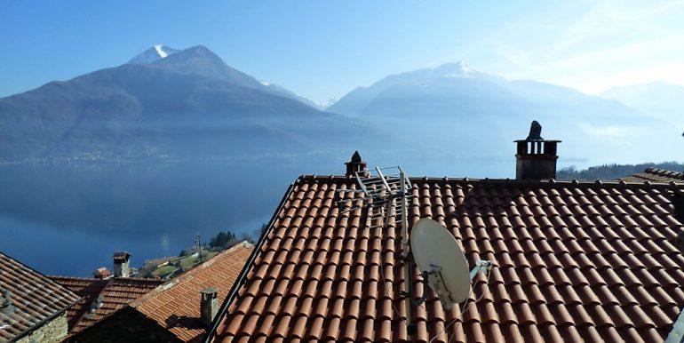 Pianello del Lario Stone house with lake view