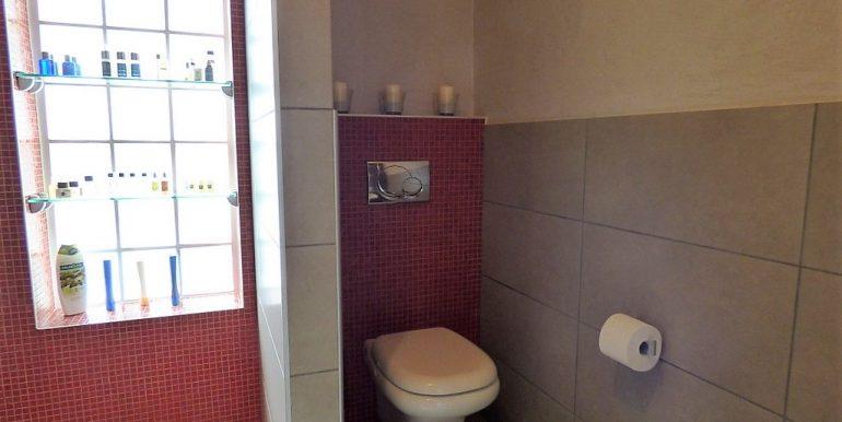 Lake Como Pianello del Lario Stone - bathroom