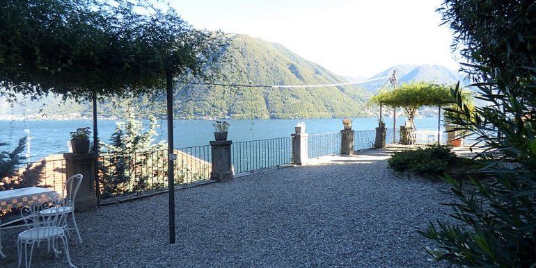 Apartment Argegno In Historical Villa - garden