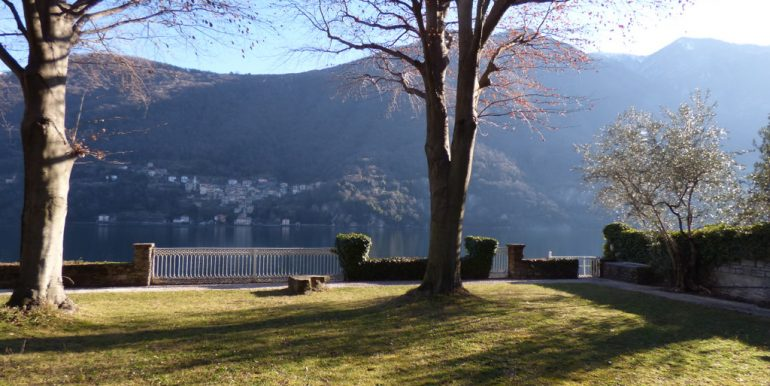 Laglio Villa with Garden Directly on the lake with garden