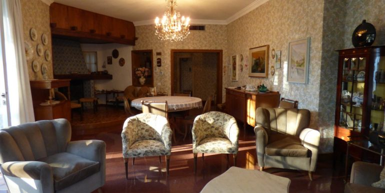 Laglio Villa with Garden Directly on the lake
