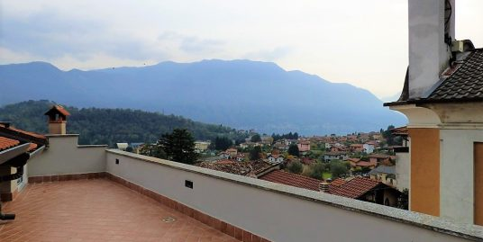 Lake Como Lenno apartment with terrace and lake view