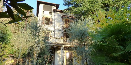 Lake Como Villa Liberty Lenno with terrace and garden