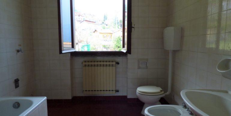 Bathroom - Lake Como Lenno