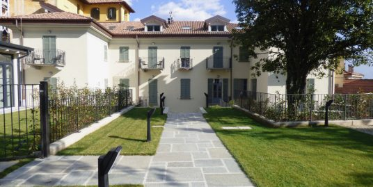 Lake Como Menaggio Apartments in period villa with swimming pool