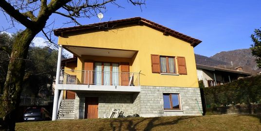 Pianello del Lario House with balcony and lake view